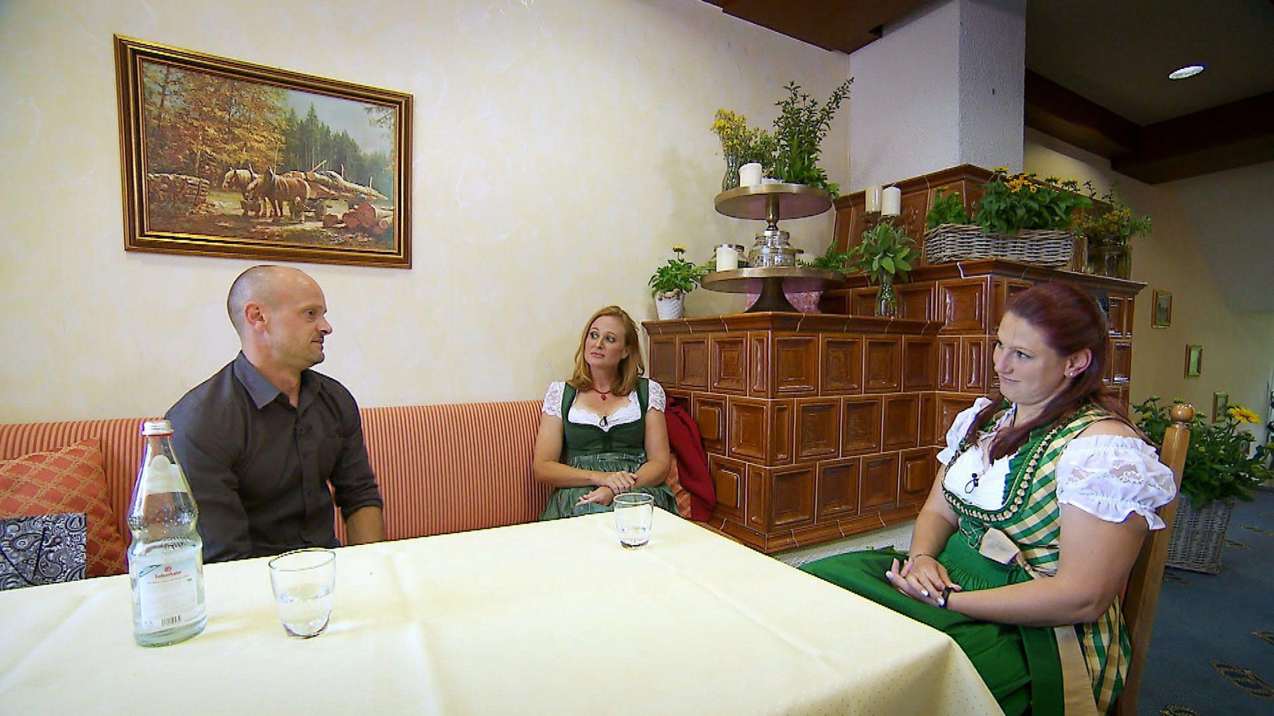 """Eifersuchtsdrama bei """"Bauer sucht Frau"""": Patrick kann sich nicht entscheiden"""