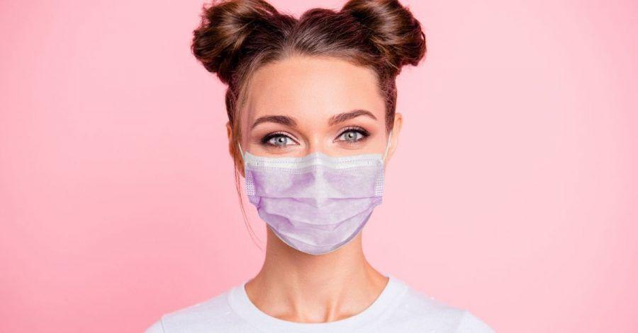 Video: Mit diesen Tipps hält dein Make-up unter dem Mundschutz