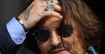 """Johnny Depp hat gegen den Verlag der Boulevardzeitung """"The Sun"""" wegen eines Artikels geklagt, in dem behauptet wurde, er habe seine Ex-Frau Amber Heard körperlich misshandelt."""