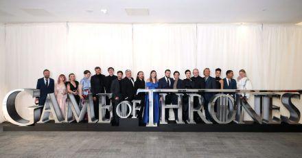 """Die Schauspieler und Crewmitglieder von """"Game of Thrones"""" 2019 vor der Premiere der achten Staffel."""