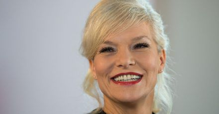 Ina Müller schaut gerne Comedy-Programme auf YouTube.