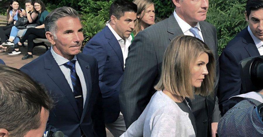 Lori Loughlin und Mossimo Giannulli sind im  Hochschul-Bestechungsskandal zu Gefängnisstrafen verurteilt worden.