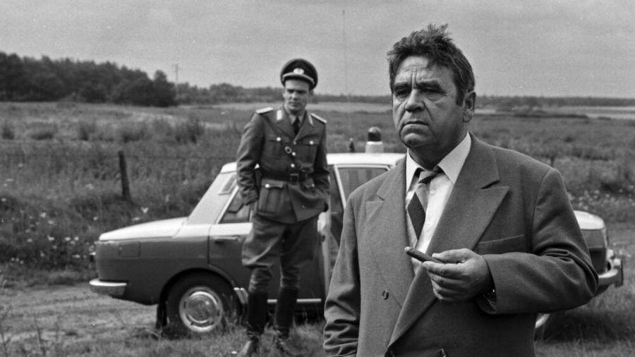 "Walter Richter (r.) als Kommissar Paul Trimmel im Krimi ""Tatort nach Leipzig"" (ili/spot)"