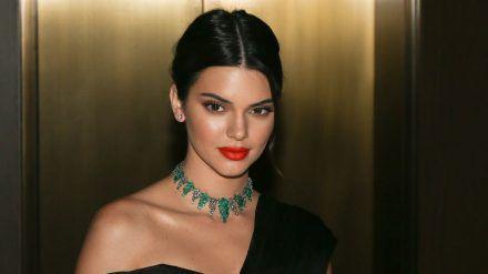 Kendall Jenner feiert inmitten der Pandemie. (cos/spot)