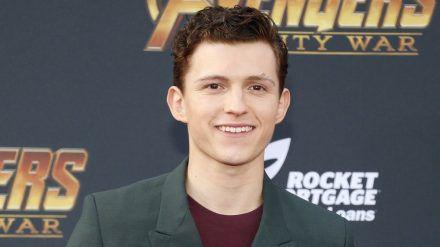 Tom Holland verwandelt sich erneut in Spider-Man. (jom/spot)