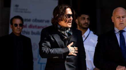 Johnny Depp im Juli am Rande seines Gerichtsprozesses vor den Royal Courts Of Justice in London (wag/spot)