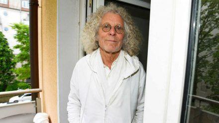 Rainer Langhans will den Kampf gegen den Krebs noch nicht aufgeben. (rto/spot)