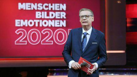 """Günther Jauch präsentiert bei RTL den Jahresrückblick """"2020! Menschen, Bilder, Emotionen"""". (cam/spot)"""
