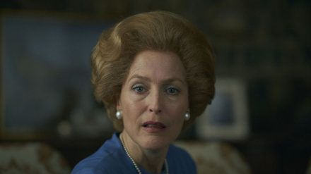 "Gillian Anderson als Margaret Thatcher in ""The Crown"". (mia/spot)"