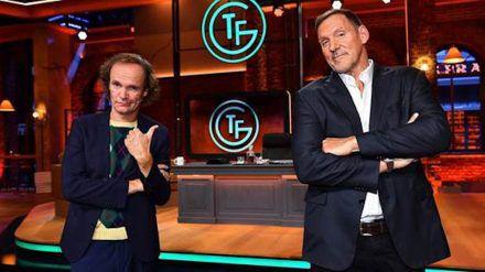 """Roaster Olaf Schubert (l.) und Ralf Moeller, Host der ersten Folge von """"Täglich frisch geröstet"""". (dr/spot)"""