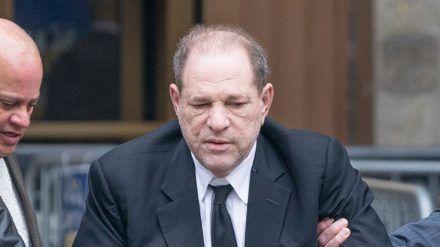 Ex-Produzent und Gefängnisinsasse Harvey Weinstein soll krank sein (ili/spot)