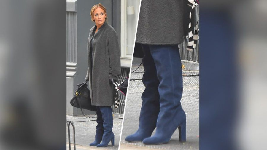 Auch Sängerin Jennifer Lopez setzt auf Velourslederstiefel (cos/spot)