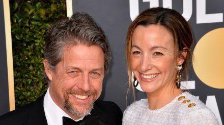 Hugh Grant mit seiner Ehefrau Anna Eberstein (wue/spot)