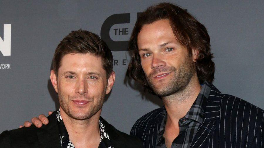 """Jensen Ackles (l.) und Jared Padalecki spielten in """"Supernatural"""" die Brüder Dean und Sam Winchester. (cam/spot)"""