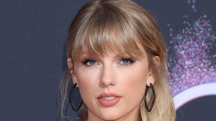 Taylor Swift scheint ihre Fans gerne zu überraschen. (rto/spot)