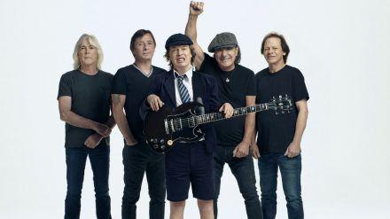 AC/DC locken immer noch ihre Fans in die CD-Läden. (rto/spot)