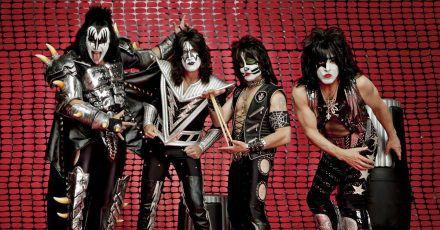 Megaproduktion: Kiss geben gigantisches Silvester Live-Konzert!