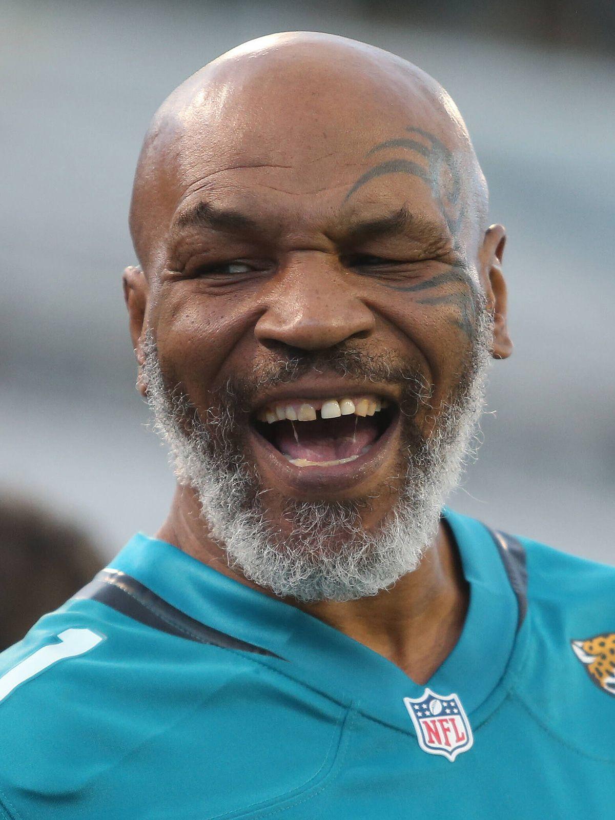 """Alles über das Promiboxen """"Mike Tyson vs. Roy Jones jr."""