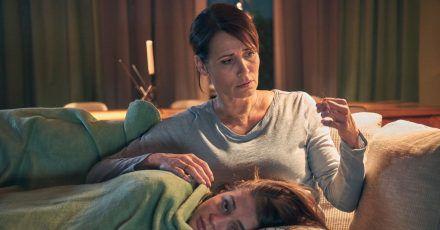 Kann Susanne (Anja Kling)ihrer Tochter Lara (Lisa-Marie Koroll) helfen.