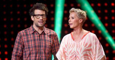"""Die Moderatoren Daniel Hartwich und Sonja Zietlow in der RTL-Show """"Ich bin ein Star - Lasst mich wieder rein!"""" 2015."""