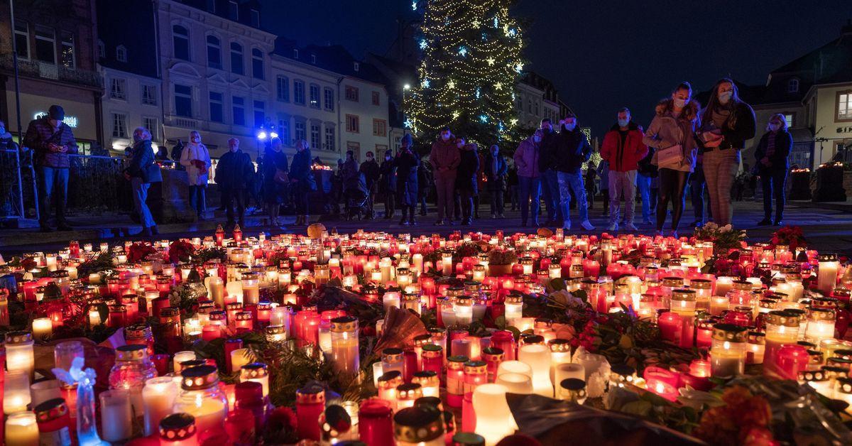 Trier gedenkt der Opfer der Amokfahrt mit Schweigeminute