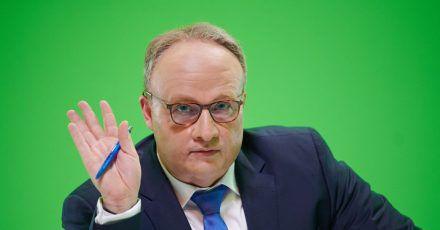 Martin Klempnow parodiert Oliver Welke («heute show») bei den Dreharbeiten zur Comedy-Show «Binge Reloaded».