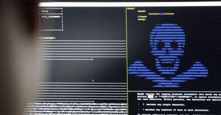 Nicht einschüchtern lassen:Wer einem sogenannten Ransomware-Angriff zum Opfer fällt, sollte nie Geld bezahlen, warnen Experten - sondern Anzeige erstatten.