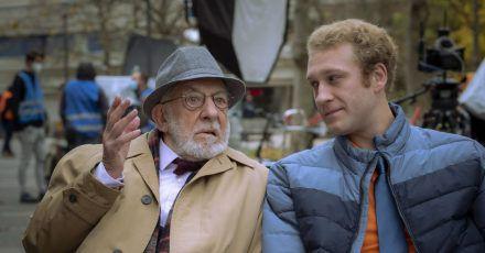 """Schauspieler Dieter Hallervorden (l) und sein Sohn Johannes bei Dreharbeiten zum ZDF-Format """"Mein Freund, das Ekel""""."""