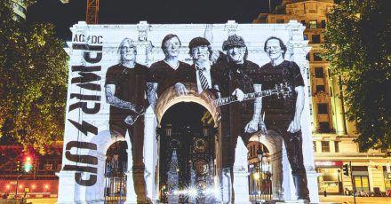 «Power Up» ist ein Triumph:Eine Projektion von AC/DC auf dem Marble Arch in London.