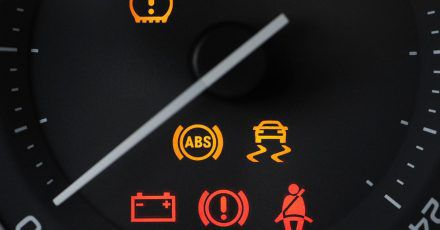 Das Elektronische Stabilitätsprogramm kann das Auto in extremen Fahrsituationen stabilisieren.