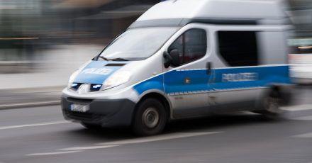 Mehrere Täter sind nach einem Raubüberfall in Berlin-Schöneberg auf der Flucht vor der Polizei (Archiv).