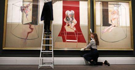 Francis Bacons Triptychon «Inspired by the Oresteia of Aeschylus» von 1981 erzielte bei Sotheby's New York 84,6 Millionen US-Dollar (ca. 75 Millionen Euro).