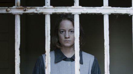"""Leonie Benesch alias Greta in der dritten Staffel von """"Babylon Berlin"""". (cam/spot)"""