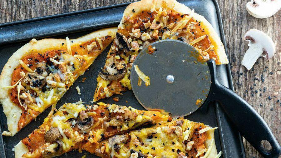 Pizza mit Kürbis: Lecker und klimaneutral (sob/spot)