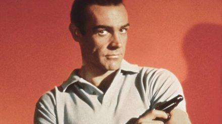 "Sean Connery als James Bond in ""James Bond - 007 jagt Dr. No"" (1962) (jom/spot)"