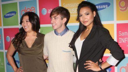 """Naya Rivera (r.) mit ihren """"Glee""""-Kollegen Jenna Ushkowitz (l.) und Kevin McHale bei einem Event (jru/spot)"""