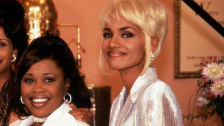 "Natalie Desselle-Reid (li.) und Halle Berry in ""Beverly Hills Beauties"". (jom/spot)"
