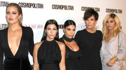 Ein Teil des Kardashian-Jenner-Clans (v.l.): Khloé Kardashian, Kourtney Kardashian, Kim Kardashian West, Kris Jenner und Kylie Jenner (ili/spot)