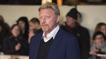 Boris Becker auf dem roten Teppich (mia/spot)