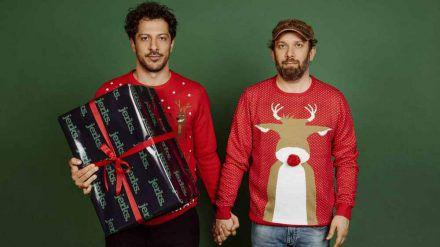 """Fahri Yardim (li.) und Christian Ulmen machen den """"jerks.""""-Fans ein besonderes Geschenk zu Weihnachten. (jom/spot)"""