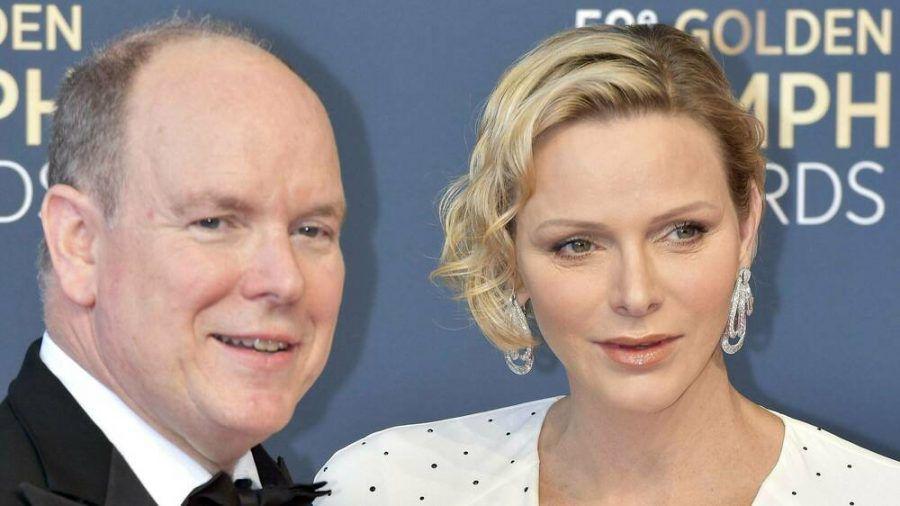 Fürst Albert II. und Charlène von Monaco begehen das Weihnachtsfest glamourös. (cos/spot)
