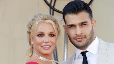 Britney Spears und Sam Asghari 2019 auf dem roten Teppich. (jom/spot)
