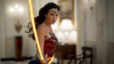 Gal Gadot muss als Wonder Woman ein drittes Mal die Welt retten. (rto/spot)