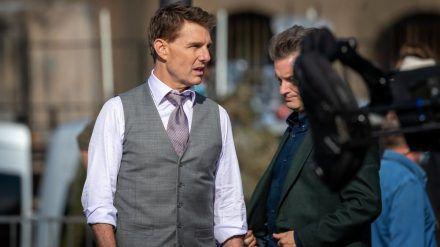 """Tom Cruise bei den Dreharbeiten zu """"Mission Impossible 7"""" im Oktober 2020 in Rom. (jom/spot)"""