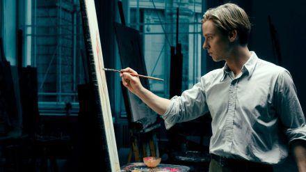 """""""Werk ohne Autor"""": Der junge Maler Kurt Barnert (Tom Schilling) sucht seinen Stil. (rto/spot)"""