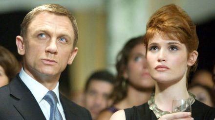 "Daniel Craig und Gemma Arterton in ""James Bond 007: Ein Quantum Trost"". (cos/spot)"
