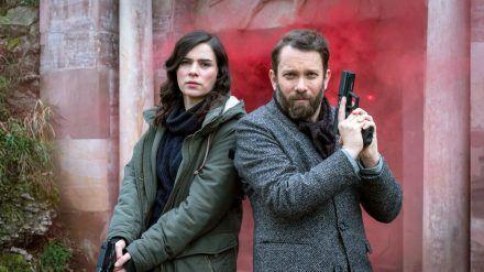 """Kira Dorn (Nora Tschirner) und Lessing (Christian Ulmen) im neueste """"Tatort: Der feine Geist"""" aus Weimar (dr/spot)"""