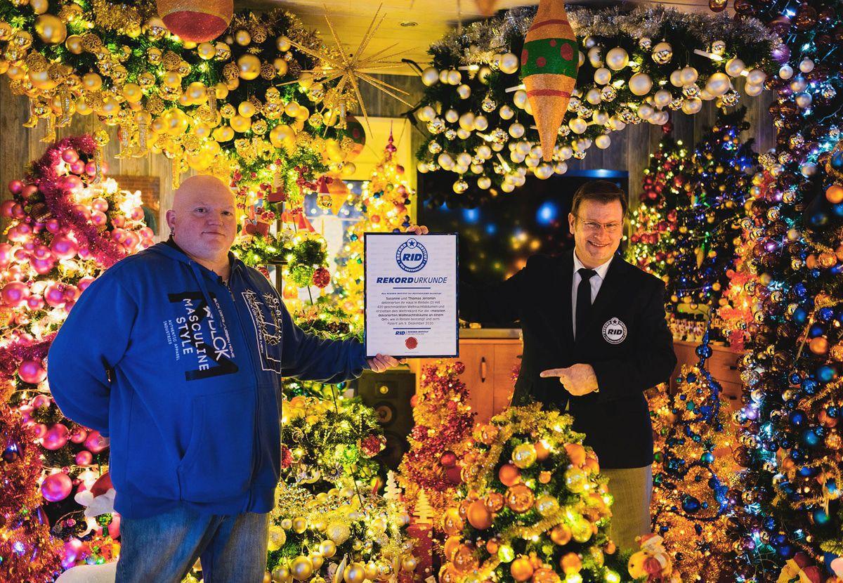 Rekord: Die Jeromins haben jetzt 420 Weihnachtsbäume in ihrem Häuschen