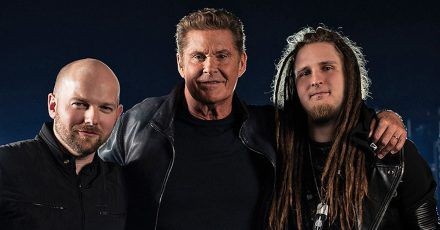 David Hasselhoff macht jetzt Metal-Rock! Hier ist das Video!