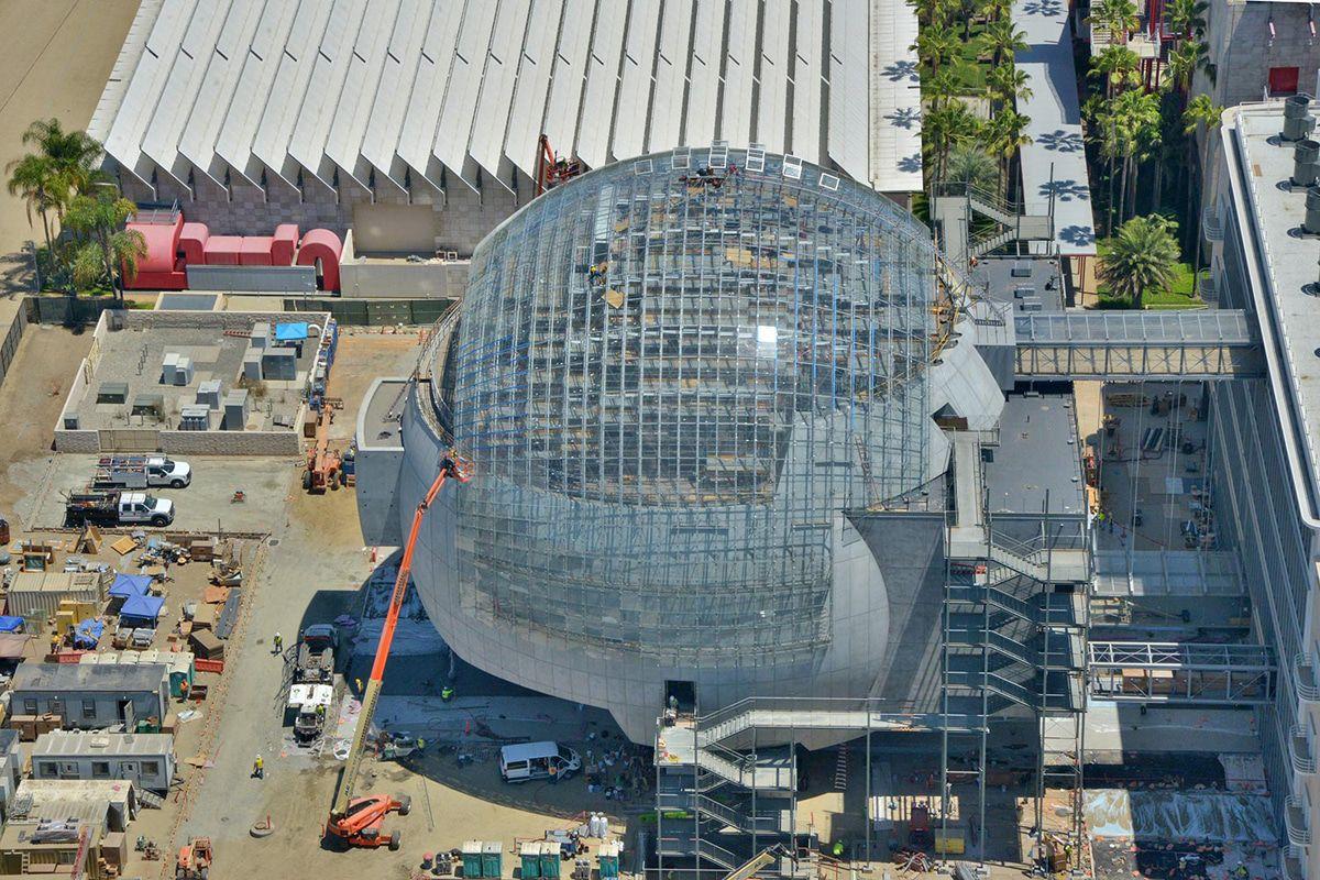 Eröffnung des futuristischen  Oscar-Academy-Museum erneut verschoben